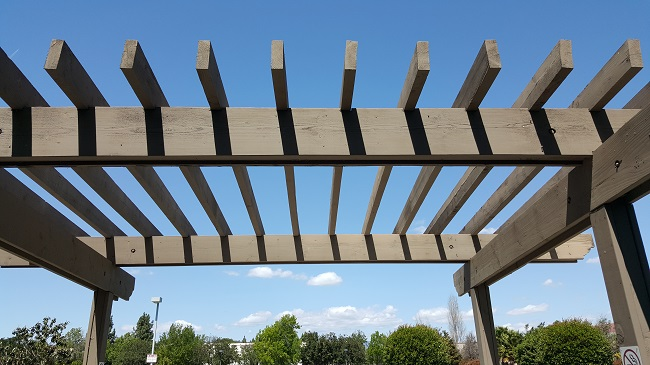 What Arbors, Pergolas, and Decks Can Do For Your Commercial Landscaping