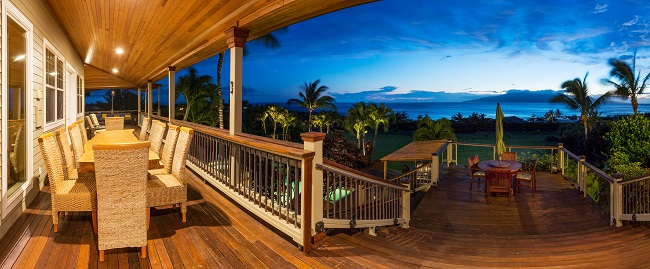 What To Look For In A Deck For Your Commercial Establishment