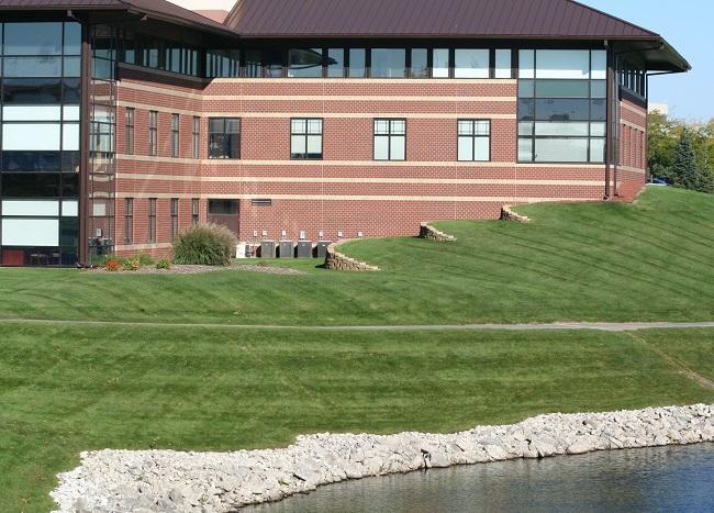 Advantages to Improving Your Commercial Landscape